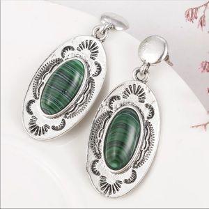 Jewelry - ❤️ Moonstone Earring 10165